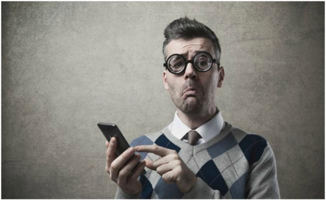Facebook y Twitter te vuelven estúpido – Estudio