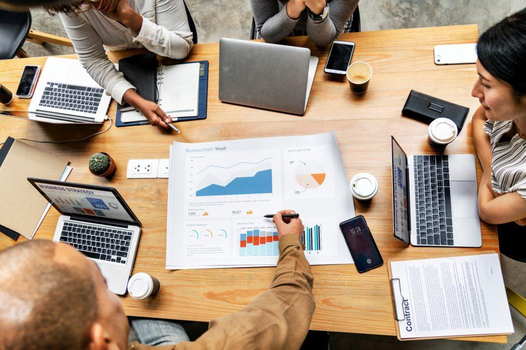 Estrategia de ventas de éxito entre empresas